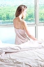 Η μελατονίνη είναι ορμόνη που εκκρίνεται τη νύκτα από την επίφυση του εγκεφάλου και προκαλεί τον ύπνο