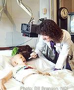 Παιδί με λευχαιμία νόσο που παίρνει χημειοθεραπεία