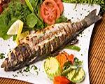 Η Μεσογειακή διατροφή που είναι πλούσια σε ψάρια, μπορεί να προστατεύει από νόσο Αλτσχάιμερ και καρδιαγγειακά νοσήματα.