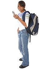 Τα παιδιά πρέπει να μάθουν να σταματούν να μιλούν στο κινητό τους τηλέφωνο όταν διασταυρώνουν δρόμους.