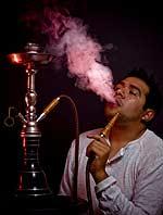 Ο ναργιλές είναι ακόμη χειρότερος για τον άνθρωπο από ότι το τσιγάρο.
