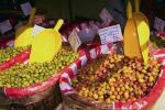Ελιές, που αποτελούν αναπόσπαστο μέρος της Μεσογειακής διατροφής.