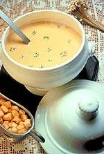 Δίαιτα και σούπα: Εάν τρώμε στην αρχή του γεύματος, μια σούπα με λίγες θερμίδες της τάξης των 100 έως 150 θερμίδων, γεμίζουμε το στομάχι μας και θα τρώμε συνολικά λιγότερα.