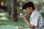 Γυναίκα που καπνίζει