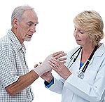 Το διάστρεμμα ή στραμπούληγμα του καρπού είναι μια συχνή μορφή τραυματισμού με δυνατό πόνο.